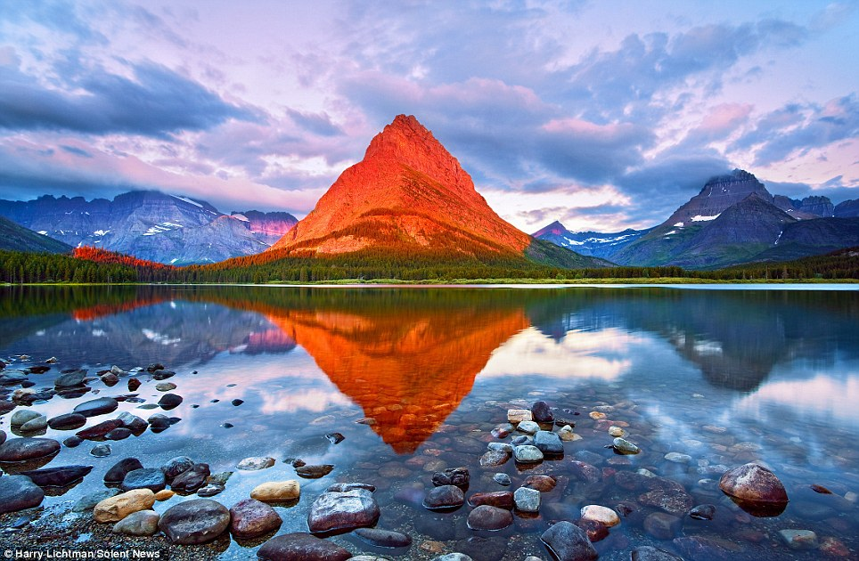 amazing-mountain-changes-color.jpg